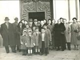 Italian Ancestors: Picture of the Mozzarelli family in 1958, celebrating their golden wedding anniversary.